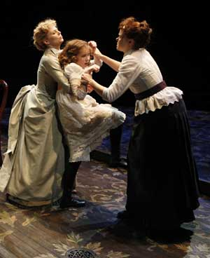 Jennifer Morrison, Abigail Breslin and Alison Pill in THE MIRACLE WORKER
