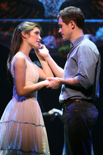Josefina Scaglione and Matt Cavenaugh as Maria and Tony