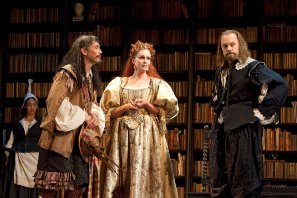 Mark Rylance, Joanna Lumley and David Hyde Pierce in La Bête